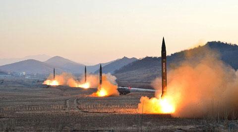 北朝鮮の弾道ミサイルの発射