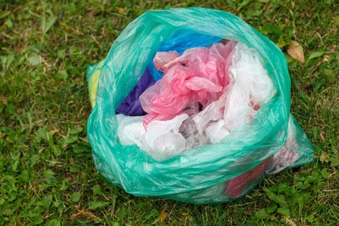 ゴミが入った袋