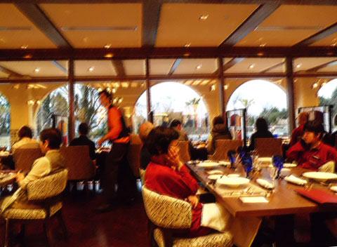 ラビスタ霧島ヒルズのレストランの夕食の状況