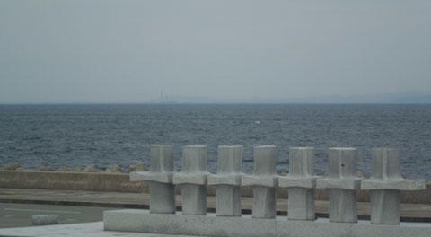 海の駅蜃気楼から蜃気楼のように見える富山港